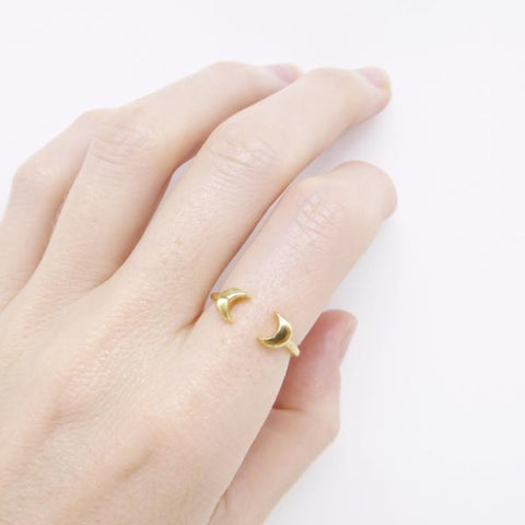 Double Moon Ring gold - Correy & Lyon jewellery