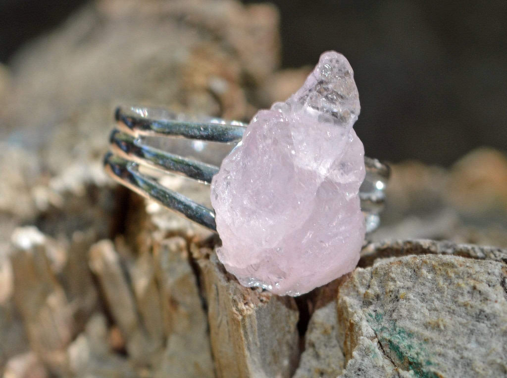 Rings Large Manifestation Ring - Emotional Healing - Pink Kunzite