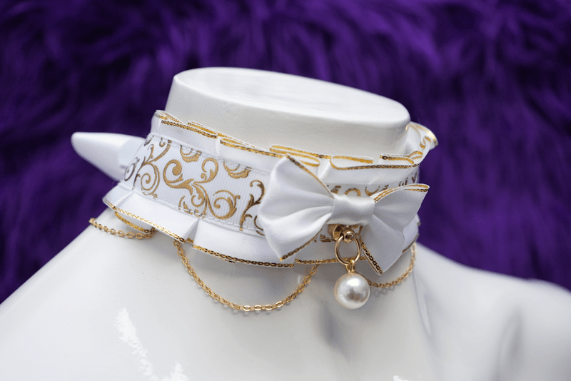 Golden Elegance Collar