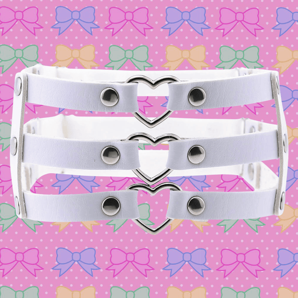 Triple Threat Heart Garter