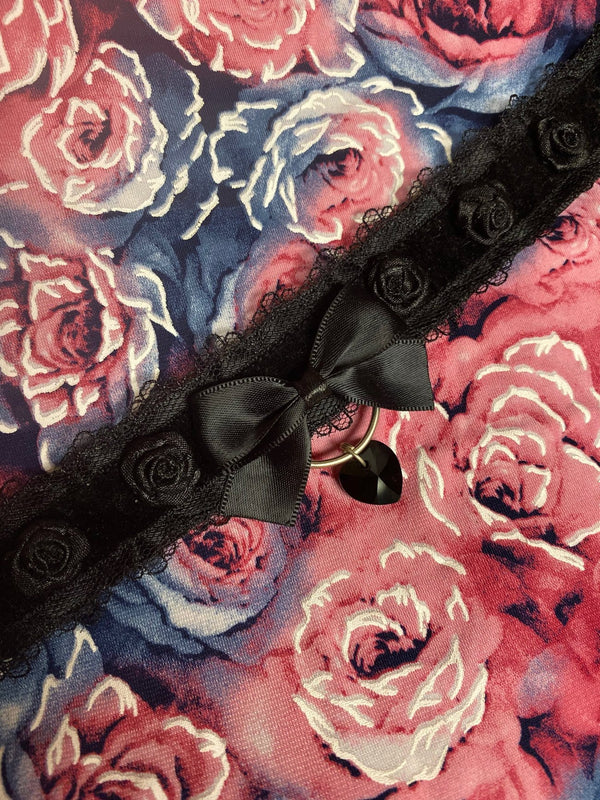 Black Lace Collar with Roses