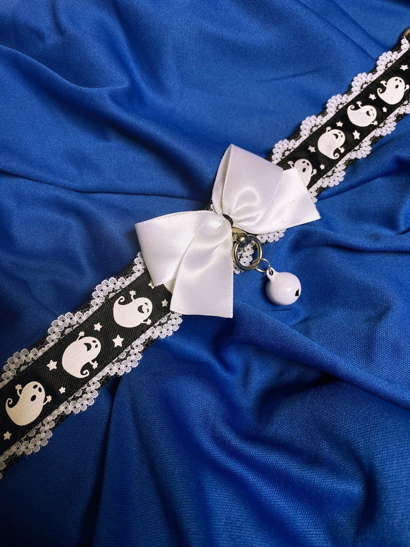 White Lace Ghost Collar