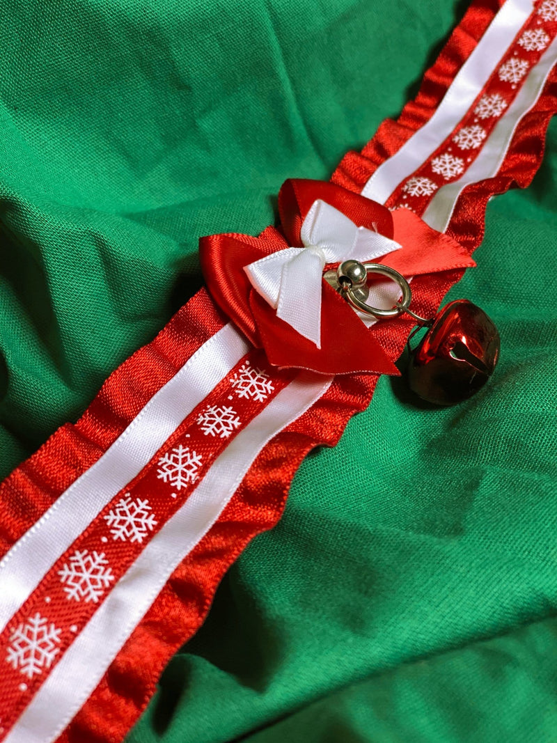 Red and White Snowflake Collar