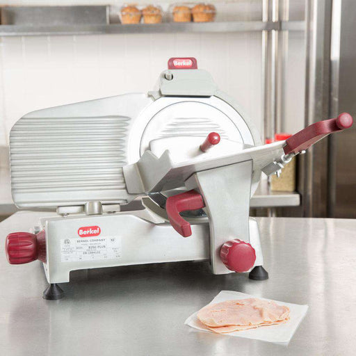 "Berkel 825E-PLUS 10"" Round Manual Slicer w/ Angled Gravity Feed & Knife Guard, Sharpener, 115v"