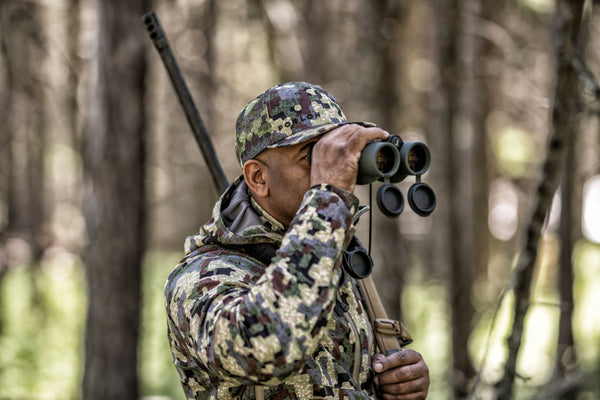 Hunting with binoculars