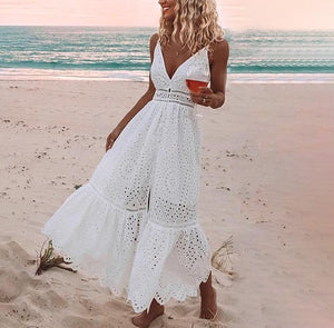 Surfers Dress. STYLE TIP - Layered fine necklaces. Ideal for an uber cool beach wedding!