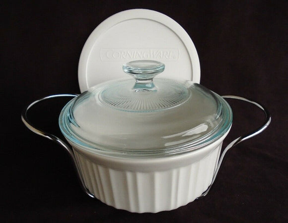 NEW 1.5 Qt. Corningware FRENCH WHITE Round CASSEROLE Glass Plastic Covers Cradle