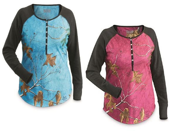 Women's MOSSY-OAK BREAK-UP COUNTRY Camo Thermal Knit Henley Shirt *PINK or BLUE