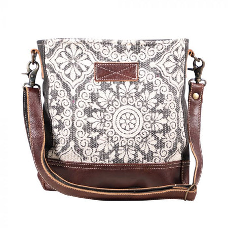 MYRA FREAKY SHOULDER BAG