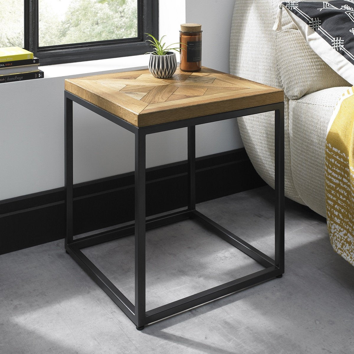 Indi Lamp Table