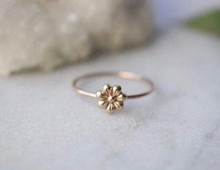 14k Gold Flower Ring