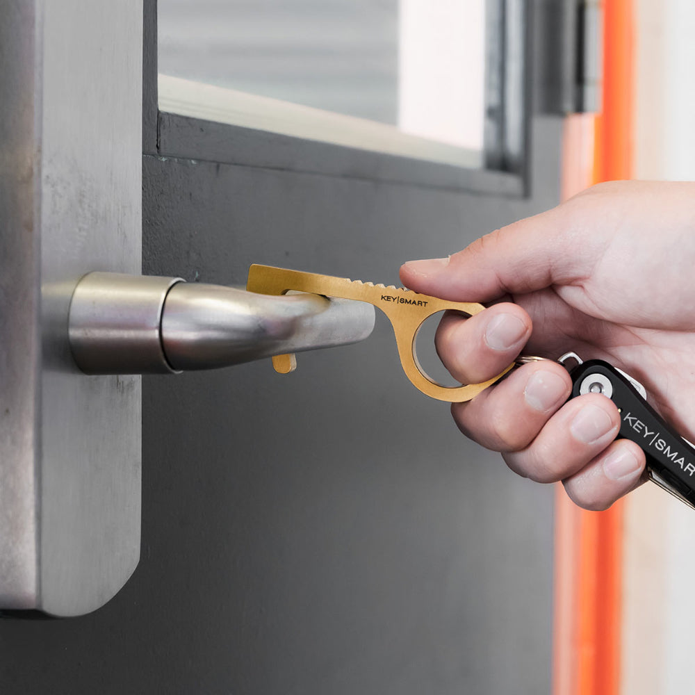 CleanKey Tool Opens Door Handles without the Need to Touch Them Directly