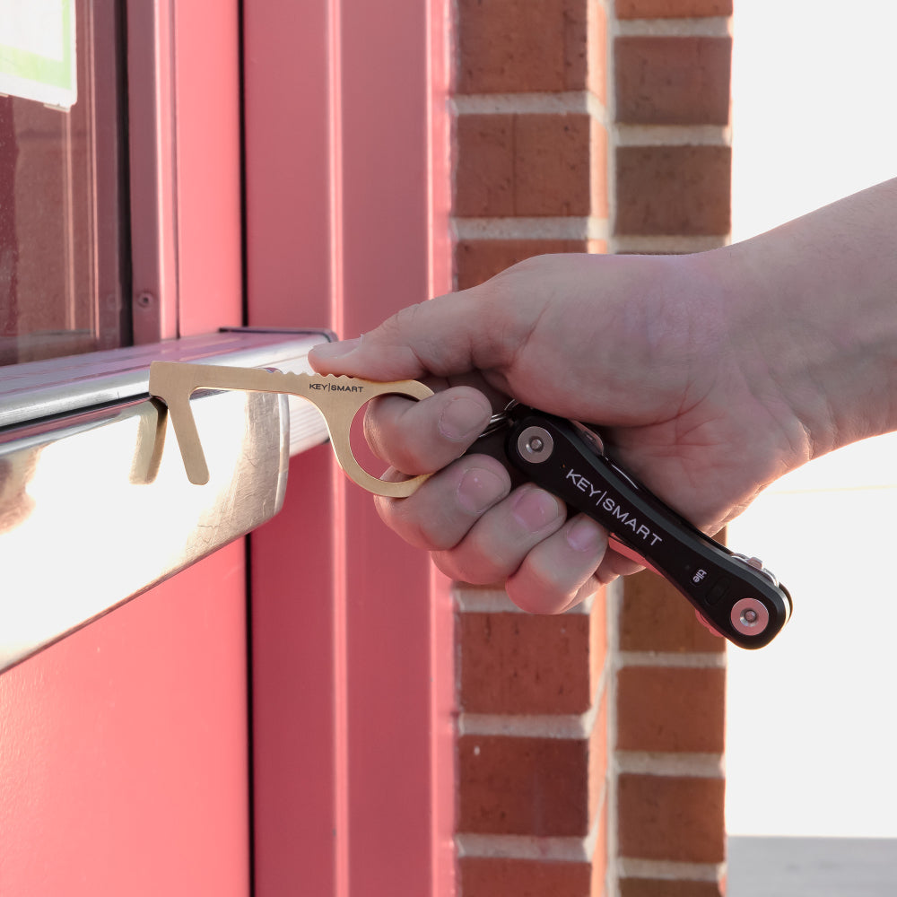 CleanKey Tool Keeps Your Hands Clear of Dirty Door Handles