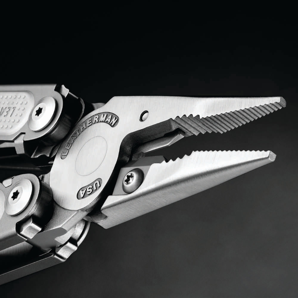 Leatherman FREE P4 Multipurpose Pliers Detail of Pliers