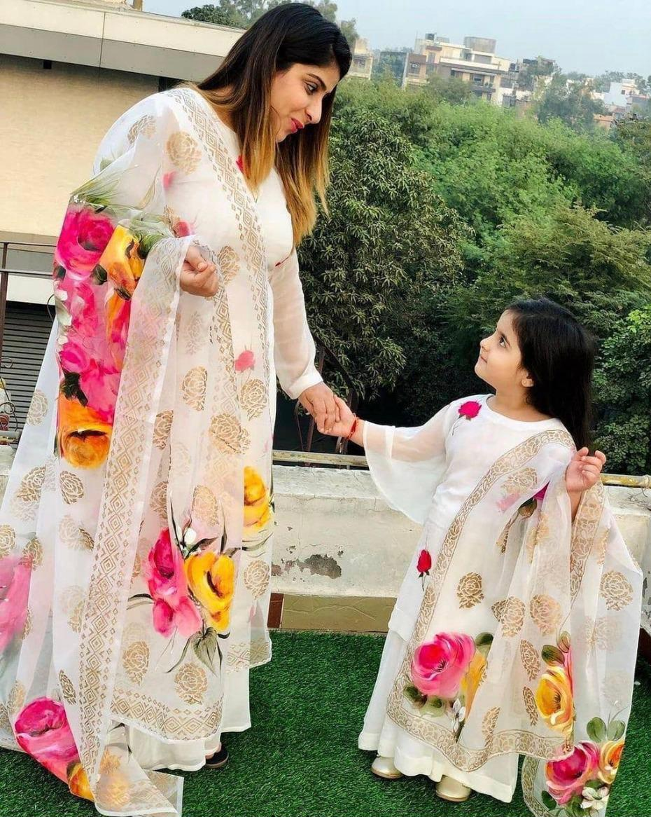 Georgette Material Mother and Daughter Kameez