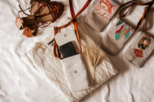 Load image into Gallery viewer, Leaf Print Phone Crossbody Bag