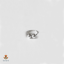 Load image into Gallery viewer, Sterling Silver Adjustable Ring With Connecting Beads