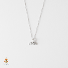 Load image into Gallery viewer, fish tail necklaces