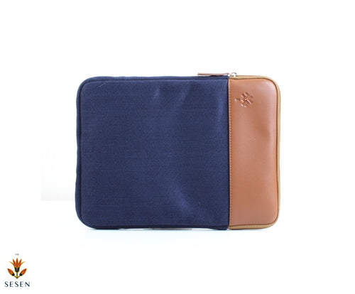 Light weight laptop sleeve for men