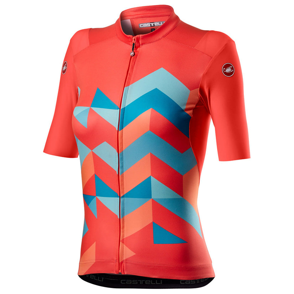 The body of the Unlimited Jersey is made from ProSecco Unlimited fabric. The polyester knit has been created to offer excellent breathability and stretch, keeping you cool and comfortable, but is more durable than the typical race-ready fabrics Castelli uses on its road-specific jerseys. This helps prevent any snagging or wear that comes from the demands of riding off road.