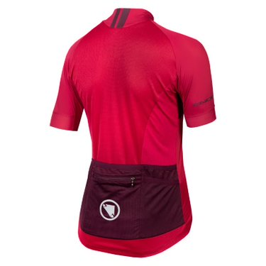 The Endura FS260 Pro women's cycling jersey combines performance fabric with an athletic fit and ample storage.