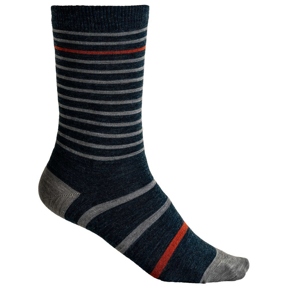 Vulpine's Merino Stripe Socks are comfortable, durable and odour resistant. They will keep you feeling fresh even on your sweatiest rides but are also a great option for everyday wear! Made in Italy using merino wool, these socks will soon become your favourites and, because they are so hard-wearing, will stay your favourites for a long time.