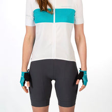 Load image into Gallery viewer, Endura Xtract Lite Short - Grey