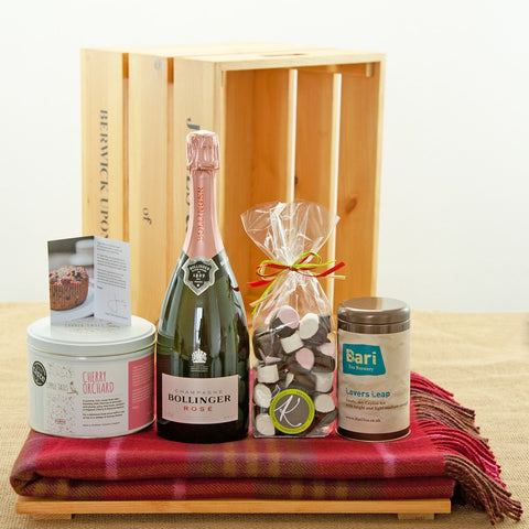 Jones and Jones of Berwick-upon-Tweed Northumbrian Champagne Afternoon Tea Gift Hamper