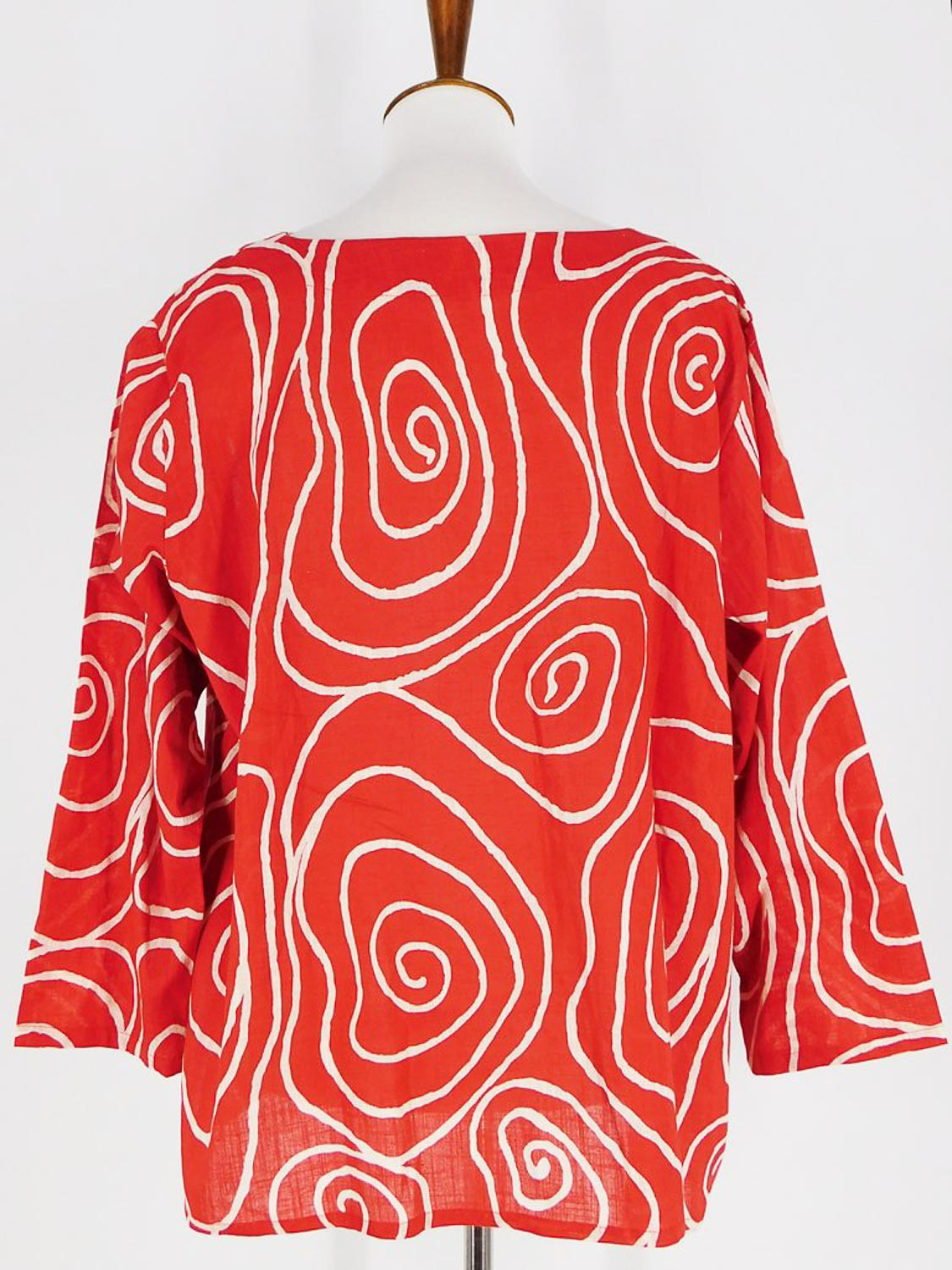 Red and white circle light weight cotton top Mao Mam