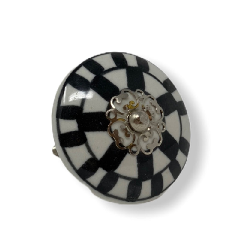 Checkered Knob - Black & White