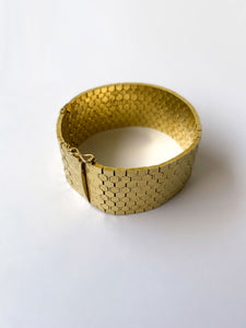art-deco-gold-plated-cuff-preclothed