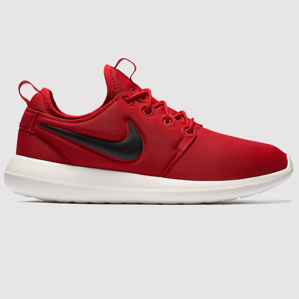 Nike Roshe Two Trainers - Red - Side