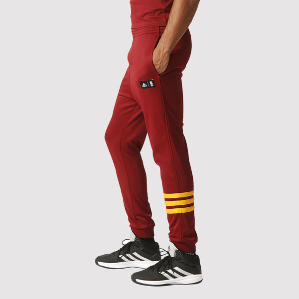 adidas Cleveland Cavaliers Summer Run Pants - Red - Model
