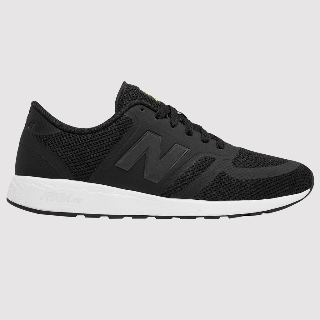 New Balance 420 Trainers - Black - Side