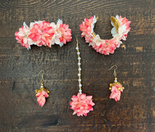Load image into Gallery viewer, Floral Jewellery