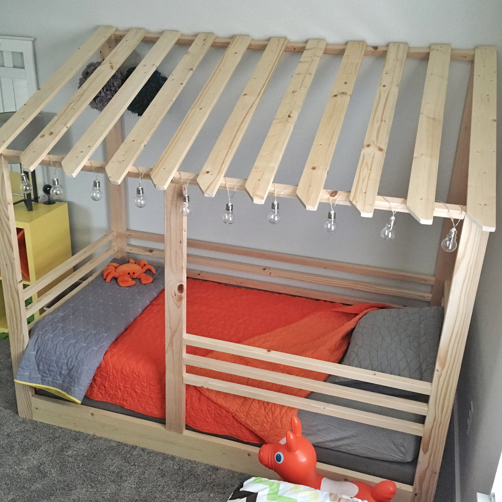 Beach Hut Bed (Twin Size)