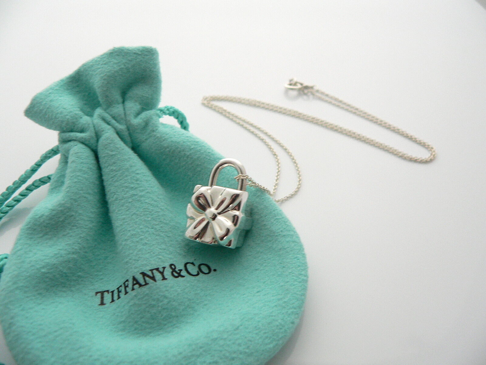 Tiffany & Co Silver Signature Gift Box Charm Necklace Pendant Charm Gift Pouch