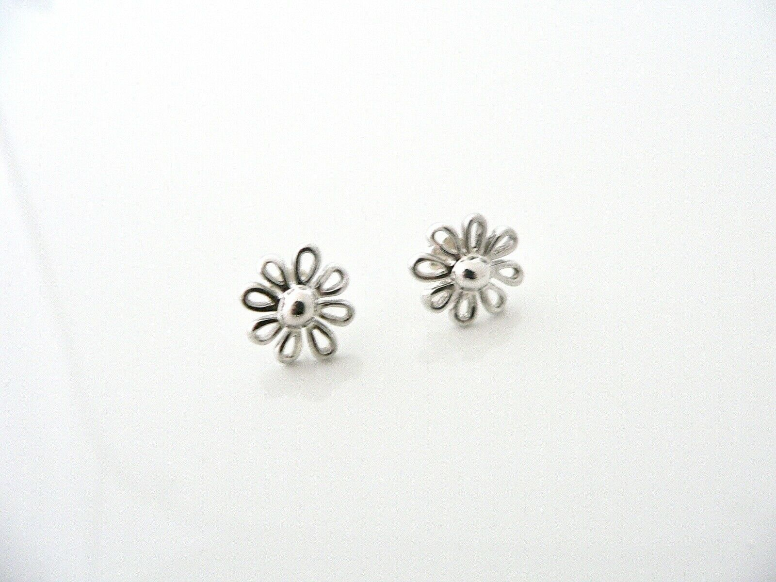Tiffany & Co Silver Daisy Flower Earrings Studs Picasso Nature Lover Gift Art