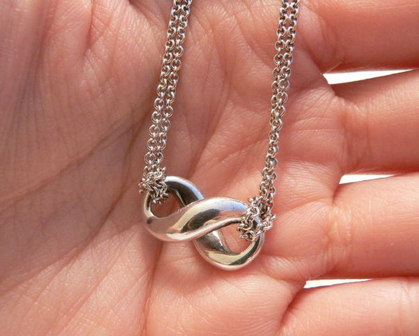 Tiffany & Co Silver Infinity Figure 8 Necklace Pendant Chain Charm Gift Love