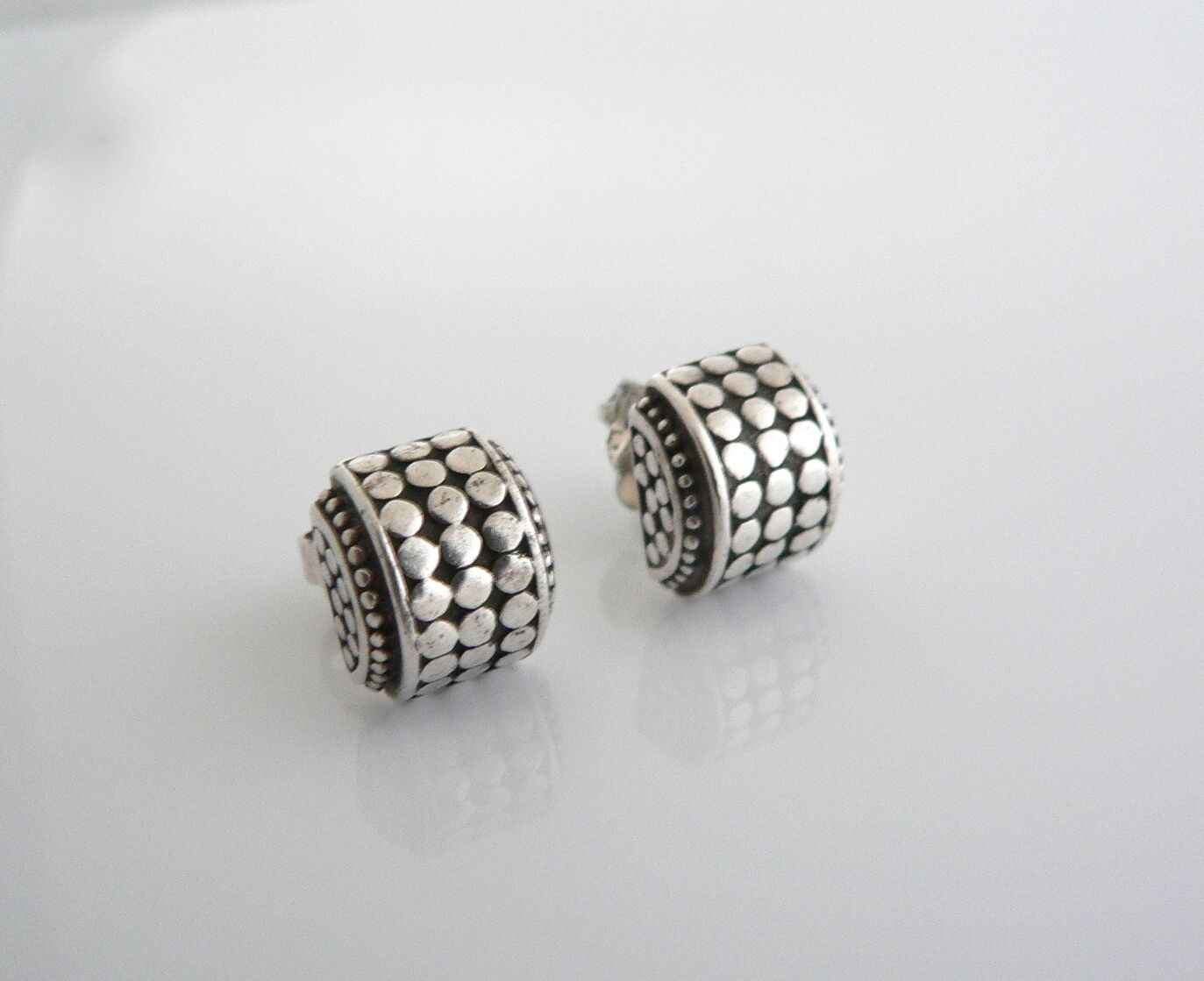 John Hardy Silver Curved Dot Earrings Studs Rare Gift Cool
