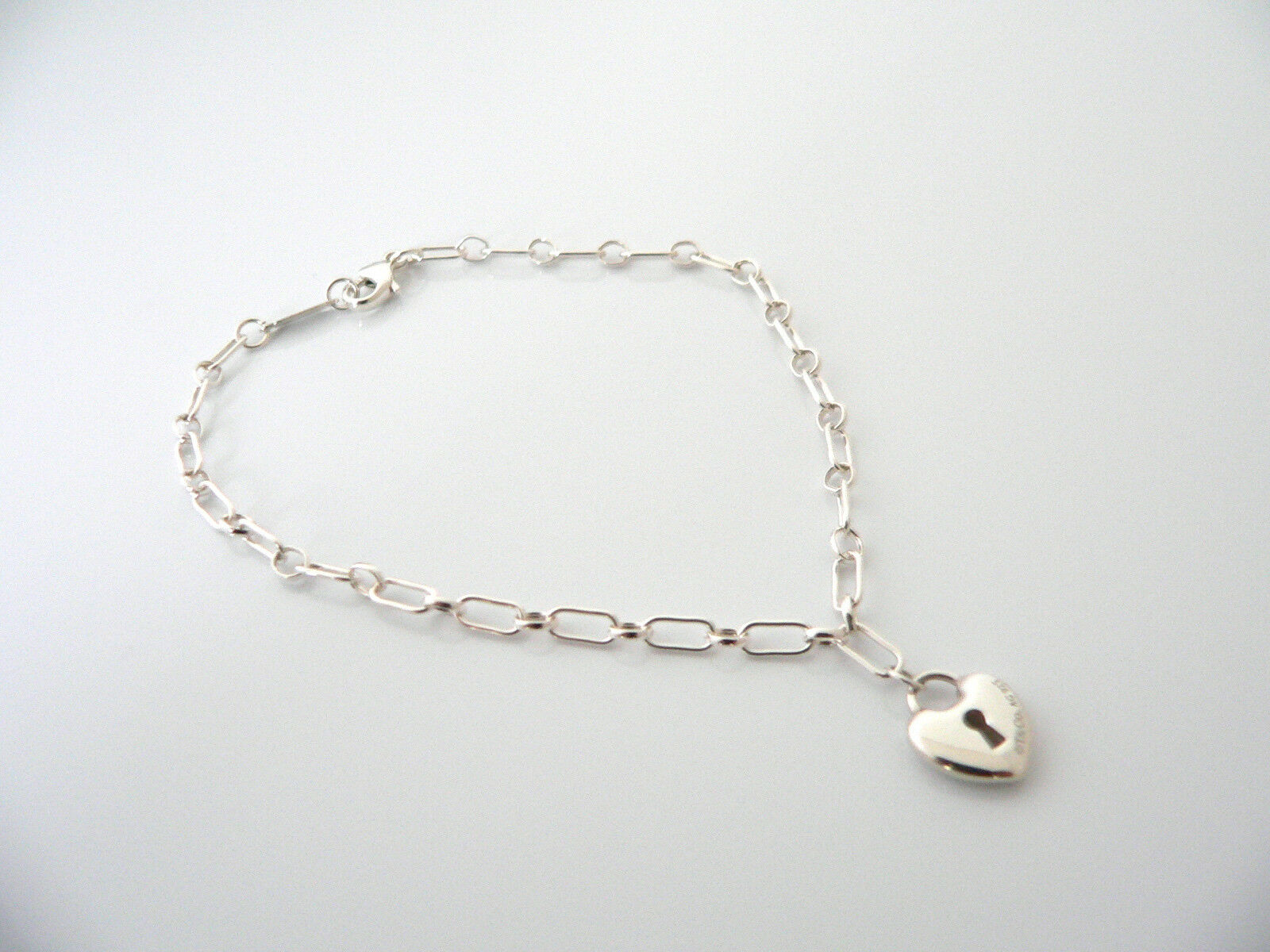 Tiffany & Co Silver Heart Key Hole Locks Bracelet Bangle Link 7.75 Inches Gift
