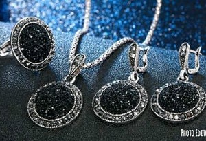 New crushed stone Resin Black jewelry set - Edy's Treasures