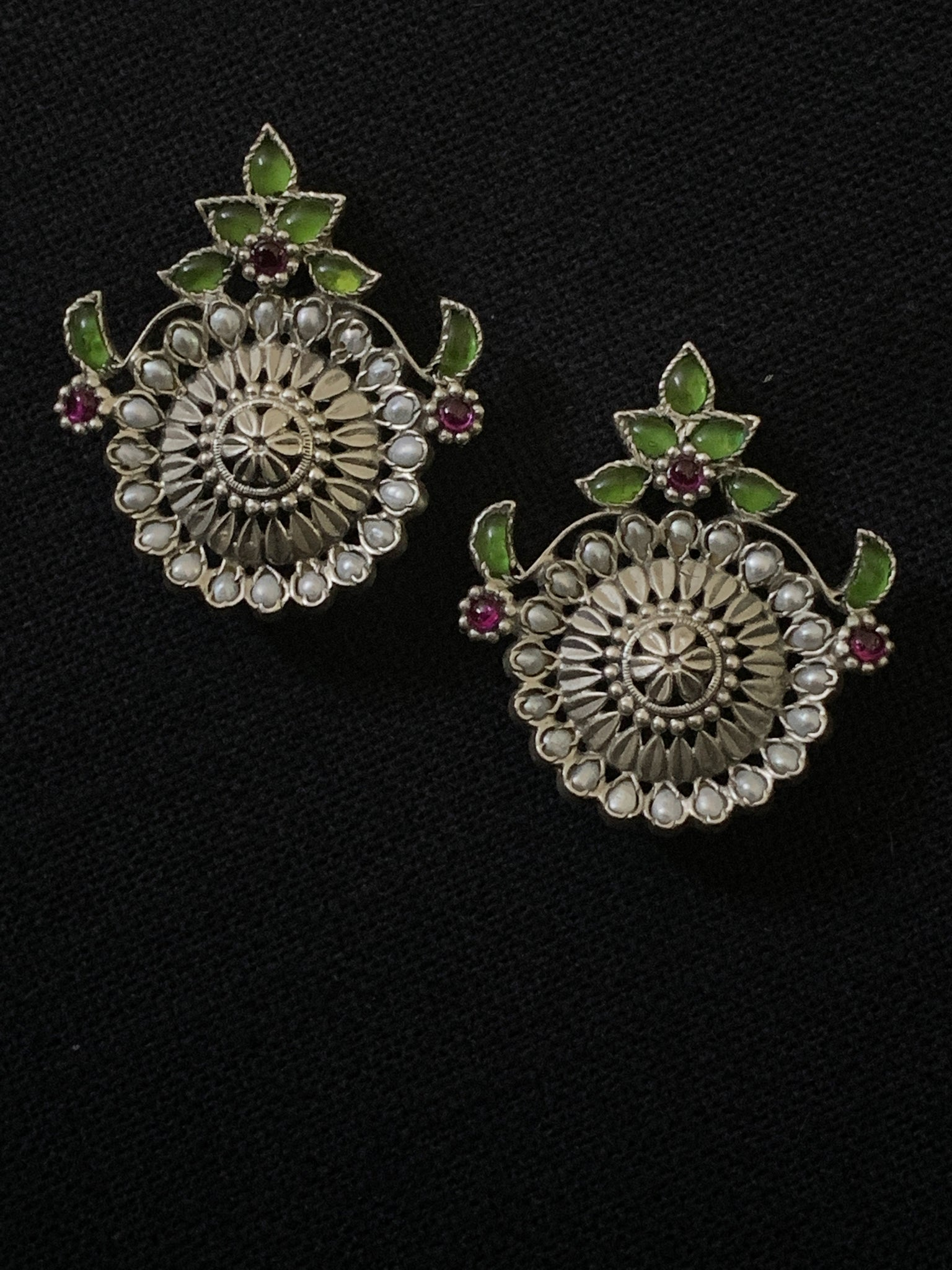 Silver Stud with Kundan and pearls