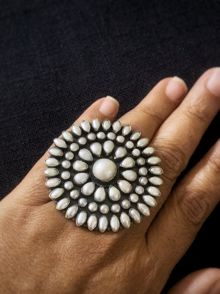 Statement Pearl FingerRing