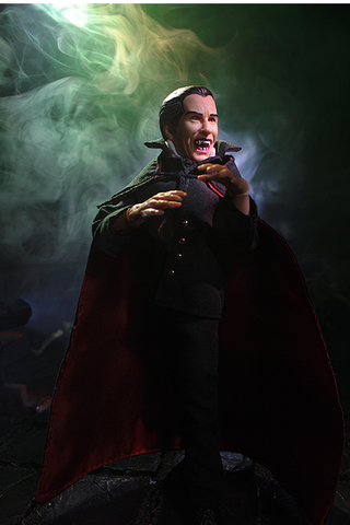 "Mego Horror Wave 9 - Hammer Dracula 8"" Action Figure (Pre-Order Ships January)"
