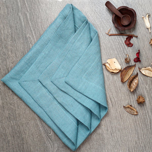 Medium Aquamarine Set of natural linen napkins with mitered hem