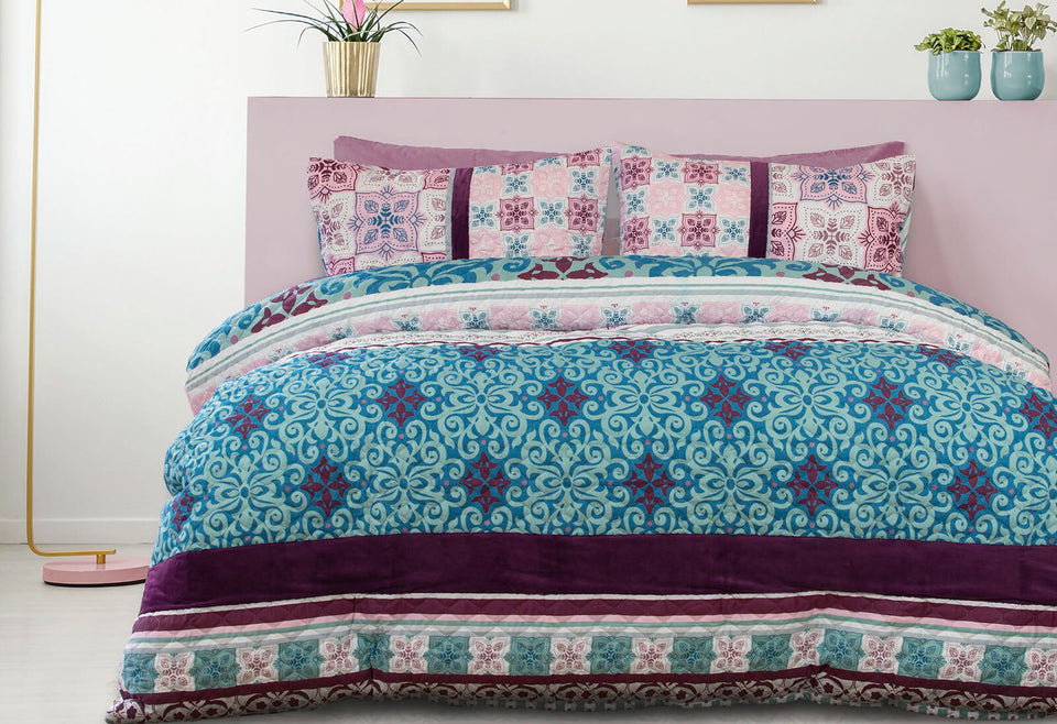 Queen Size 3pcs Anemone Velvet Panel Embossed Quilt Cover Set