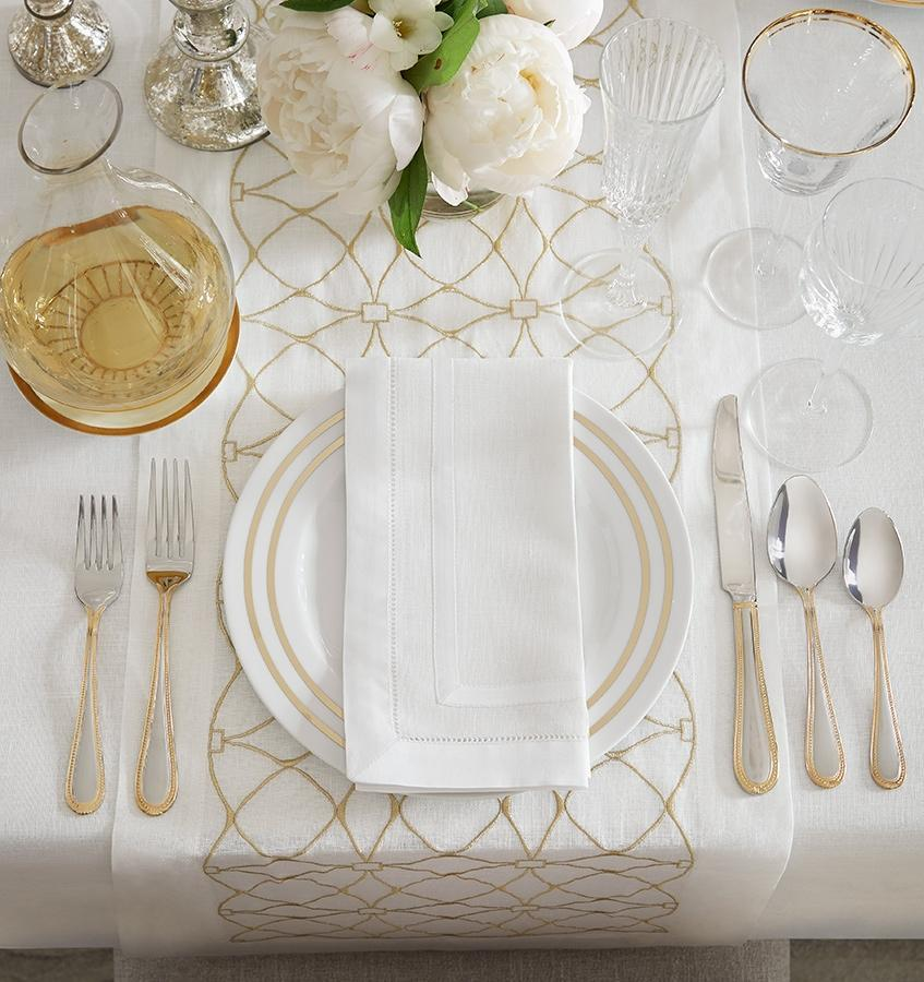 Sferra Dutchess Table Runner