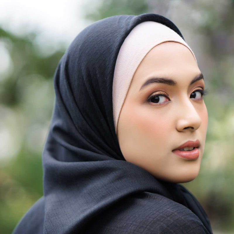 HIJAB DEENAY SIGNATURE PLAIN BLACK