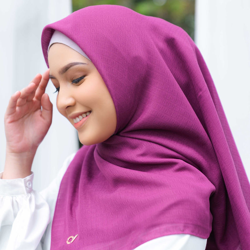 HIJAB DEENAY SIGNATURE PLAIN WINE